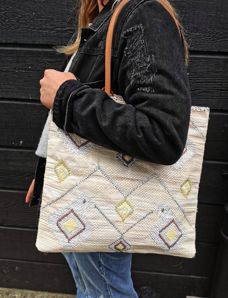 Silver & Cream Shaped Shopper