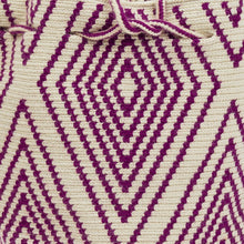 Load image into Gallery viewer, Wayuu Small Bag - Maroon and Cream Diamond