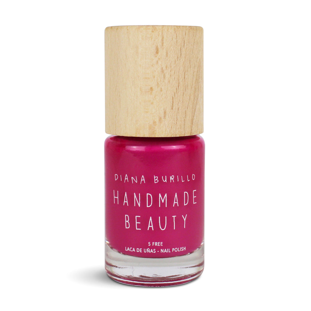 Nail Polish Non Toxic Color Jamaica Flower - Handmade Beauty Nail Polish Nail Polish Non Toxic Color Jamaica Flower A fuchsia tone full of exoticism, capable of transporting us to the Caribbean, bright and vibrant. Size: 10 ml Formulation The perfect dose of pigments in the formulation guarantees a covering effect. Contains ingredients specifically designed to strengthen nail's resistance like organic silicon. Easy Apply Fast and precise application due to its brush.  An ergonomic cap for easy use. How t