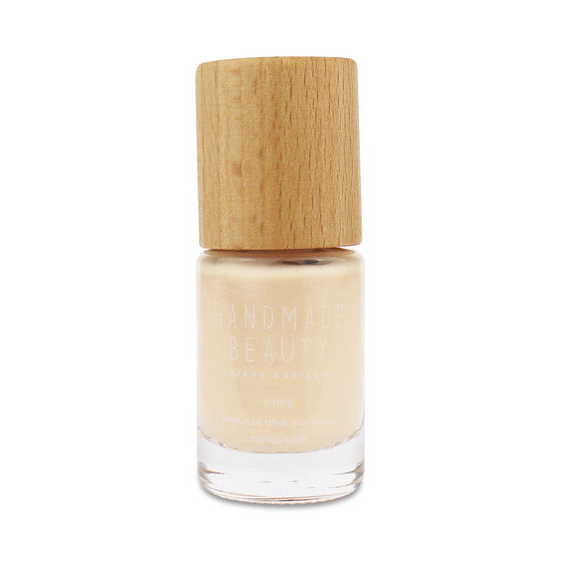 Nail Polish Non Toxic Color Jicama - Handmade Beauty Nail Polish Nail Polish Non Toxic Color Jicama Off-white color, bright and transparent, like the Mexican tuber of the same name. Size: 11 ml Formulation The perfect dose of pigments in the formulation guarantees a covering effect. Contains ingredients specifically designed to strengthen nail's resistance like organic silicon. Easy Apply Fast and precise application due to its brush.  An ergonomic cap for easy use. How to use: to obtain an optimal resul