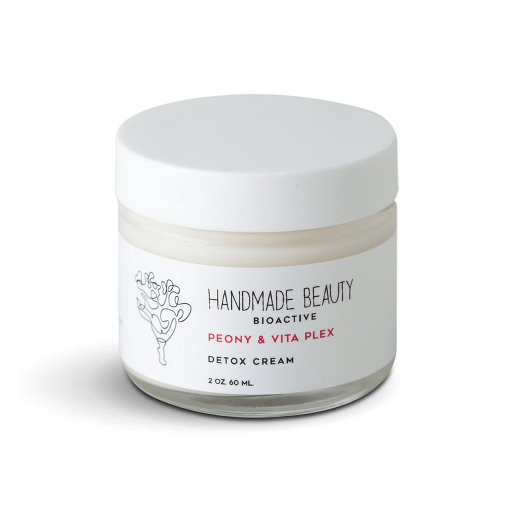Peony & VitaPlex Night Cream 2 oz (60 ML) - Handmade Beauty Face Peony & VitaPlex Night Cream 2 oz Powerful overnight treatment to recharge skin & restore a youthful glow KEY BENEFITS Improves skins elasticity & firmness Helps protect against environmental pollutions & UV rays Reduces the appearance of dark spots for an even tone Nighttime moisturizers are taking over the marketplace and redefining the meaning of beauty sleep. This powerhouse lightweight smoothing cream visibly rejuvenates t