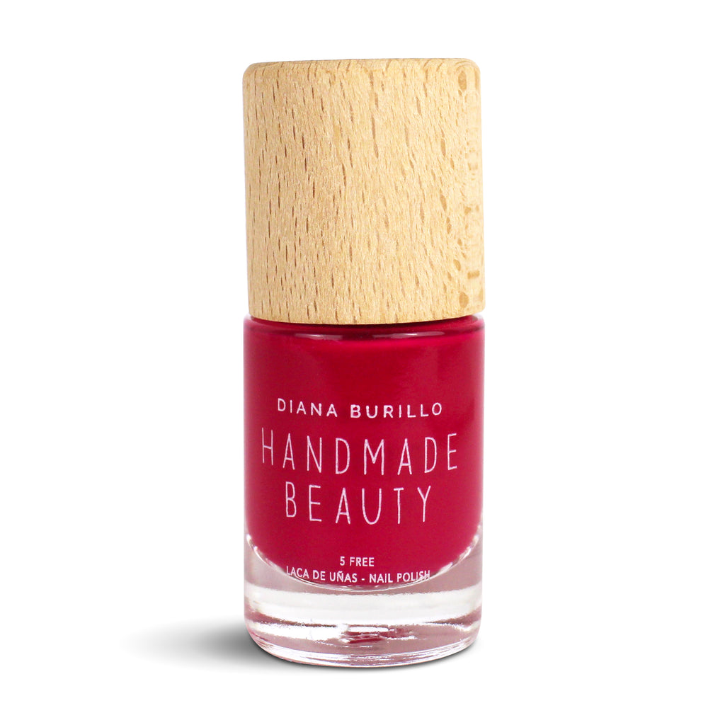Nail Polish Non Toxic Color Strawberry - Handmade Beauty Nail Polish Nail Polish Non Toxic Color Strawberry This vibrant, striking and roguish rose is essential to combine style and boldness. Size: 10 ml Formulation The perfect dose of pigments in the formulation guarantees a covering effect. Contains ingredients specifically designed to strengthen nail's resistance like organic silicon. Easy Apply Fast and precise application due to its brush.  An ergonomic cap for easy use. How to use: to obtain an opt