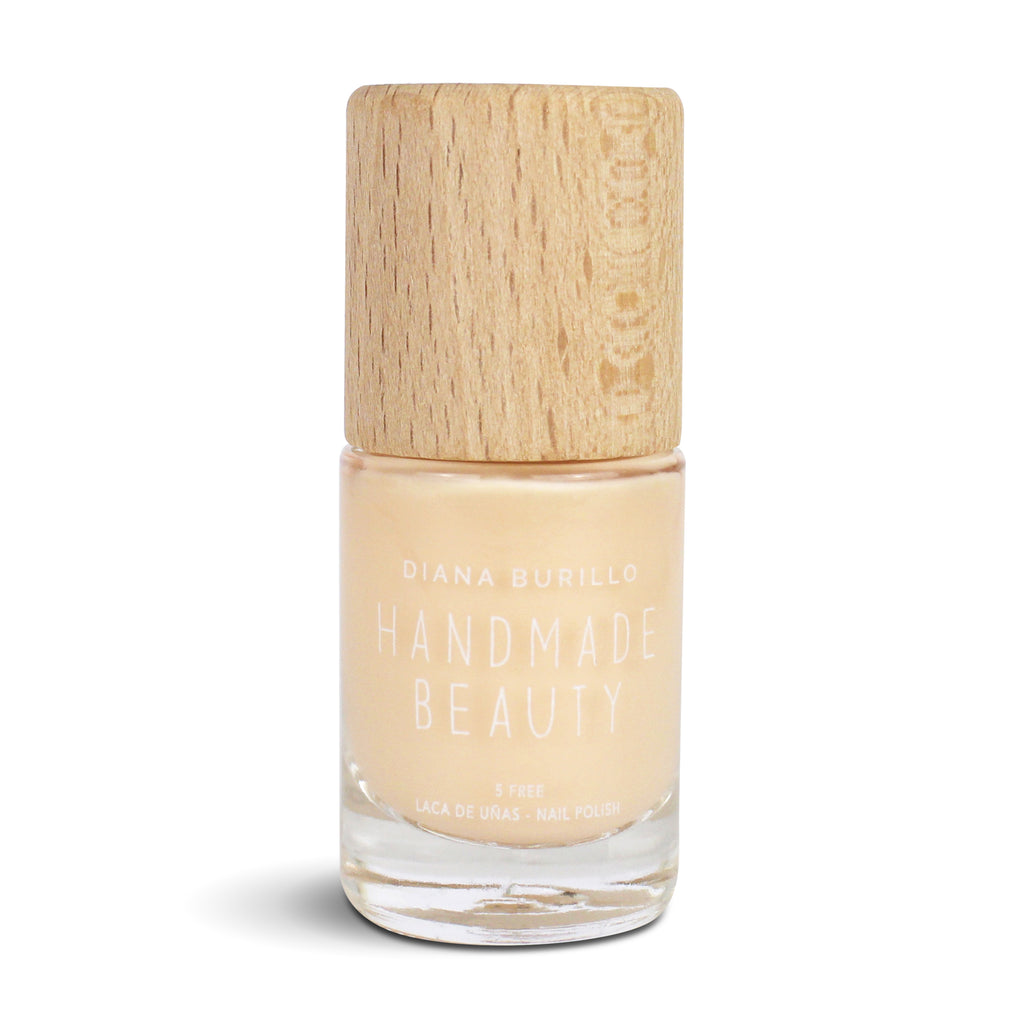 Nail Polish Non Toxic Color Summer Creta - Handmade Beauty Nail Polish Nail Polish Non Toxic Color Summer Creta The idyllic beaches of Crete in a light beige tone, neutral, calm, pleasant and full of light. Size: 10 ml Formulation The perfect dose of pigments in the formulation guarantees a covering effect. Contains ingredients specifically designed to strengthen nail's resistance like organic silicon. Easy Apply Fast and precise application due to its brush. An ergonomic cap for easy use. How to use: to