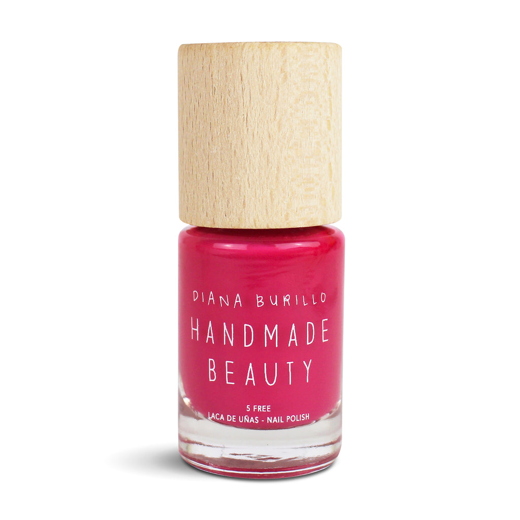 Nail Polish Non Toxic Color Watermelon - Handmade Beauty Nail Polish Nail Polish Non Toxic Color Watermelon  The juiciness of the watermelon for refreshing and exquisite nails. Size: 10 ml Formulation The perfect dose of pigments in the formulation guarantees a covering effect. Contains ingredients specifically designed to strengthen nail's resistance like organic silicon. Easy Apply Fast and precise application due to its brush.  An ergonomic cap for easy use. How to use: to obtain an optimal result by