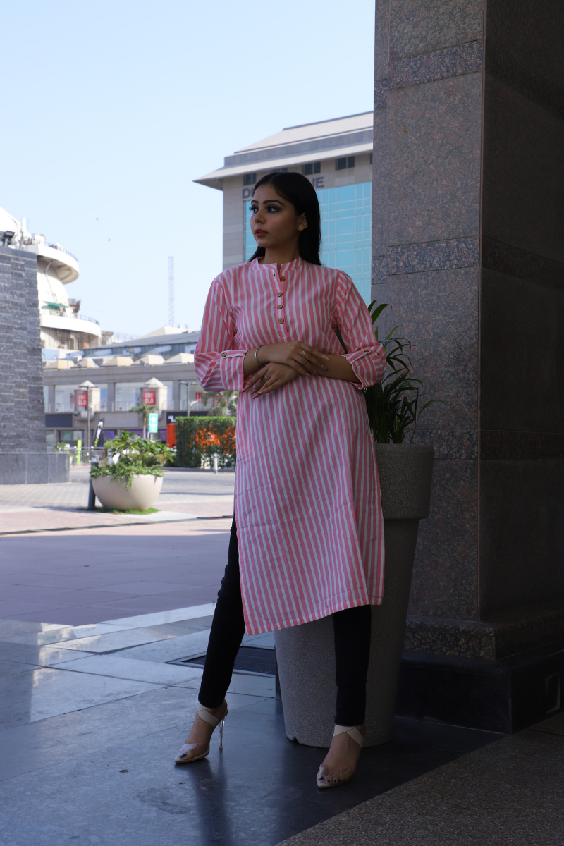 Arainna Pink & Off White Striped Straight Kurta