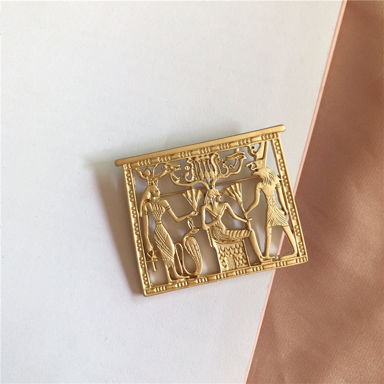 Egyptian Theme Brooch (Matte Gold)
