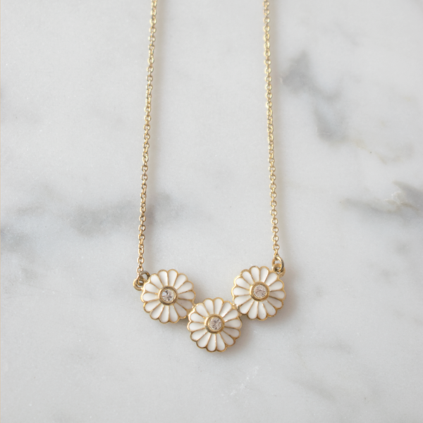 Collier marguerites blanches