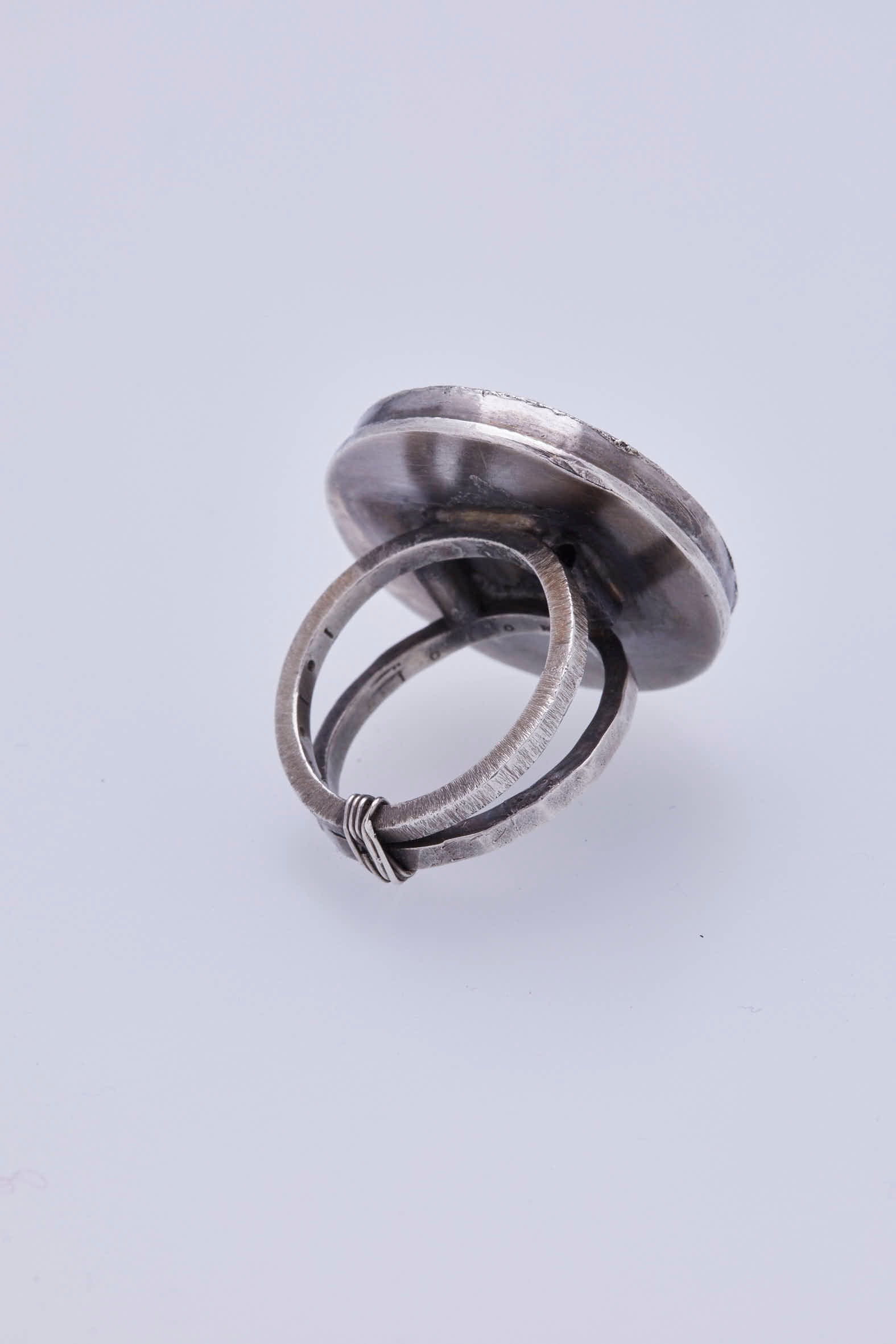 Circle Window Ring
