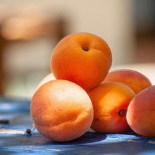 Load image into Gallery viewer, Half Apricot from Morocco Frozen (1kg)