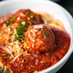 Linguine and Meatball with tomato sauce