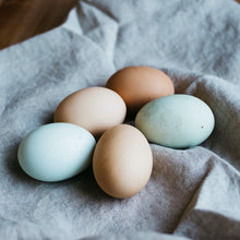 Load image into Gallery viewer, free-range-organic-egg-online-grocery-delivery-singapore-thenewgrocer