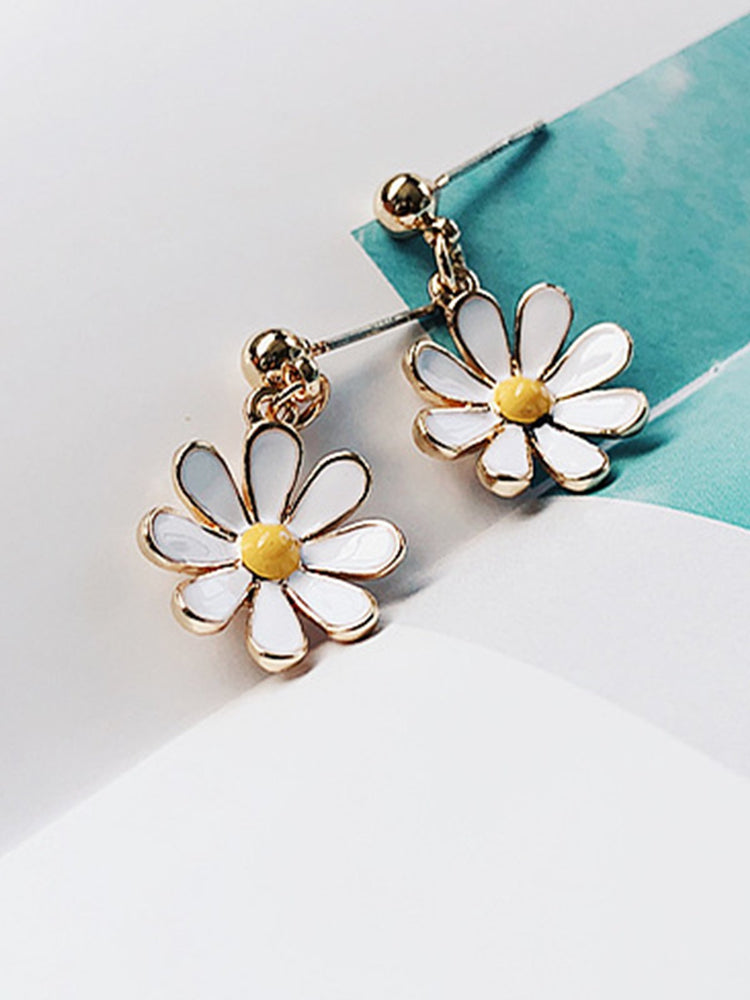 Casual Vintage Alloy Daisy Earrings