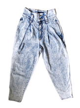 Load image into Gallery viewer, Vintage Jordache Tapered Jeans