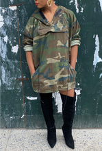Load image into Gallery viewer, Vintage Camo Poncho