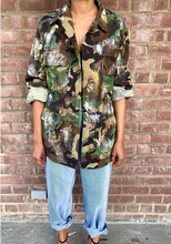 "Load image into Gallery viewer, Hand Painted Vintage ""Queen Speak"" Camo Jacket"