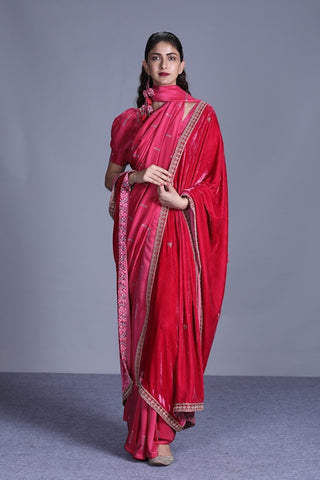 Rapture Rose Printed Silk Saree With Blouse And Velvet Dupatta