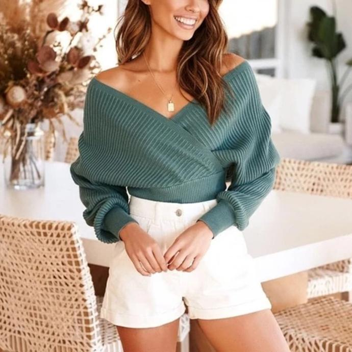 Fashion V-neck knitted bat-sleeve sweater