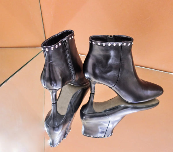 SW19004 Studded Leather Ankle Boots - Sam Star shoes