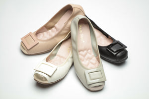14W02 Buckle pumps with extra cushions - Sam Star shoes