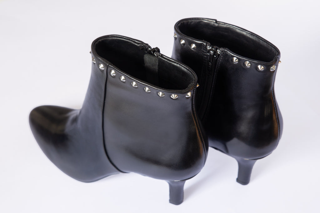 b56d09404 ... SW19004 Studded Leather Ankle Boots - Sam Star shoes ...