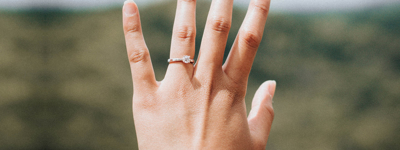 Buying an Engagement Ring? How to choose the perfect Carat Size