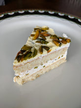 Load image into Gallery viewer, Pistachio Cake, 6 inches