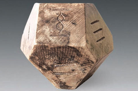 Ancient Chinese game dice