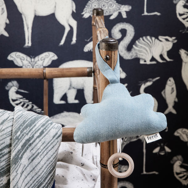 Musik Mobile «Denim Cloud» in light blue von Ferm Living