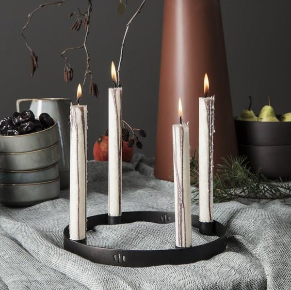 Kerzenhalter «CIRCLE» small black von Ferm Living