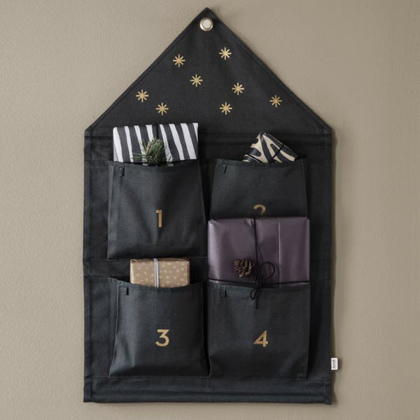 Adventskalender «STAR» in dark green von Ferm Living