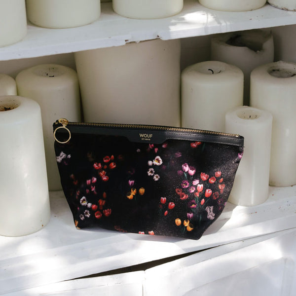 Beauty Pouch Velvet «Tulips» von Wouf
