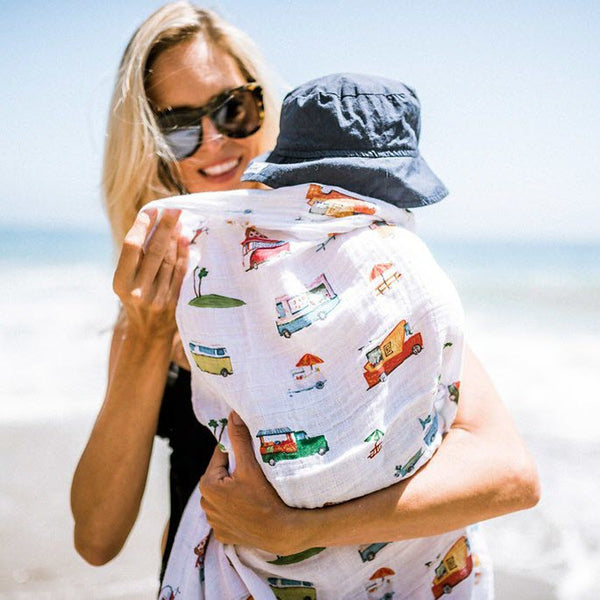 Swaddle Cotton Muslin «Food Truck» von Little Unicorn