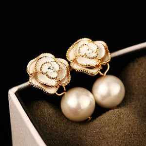 Trendy Flower Design Pearl Studded Earrings