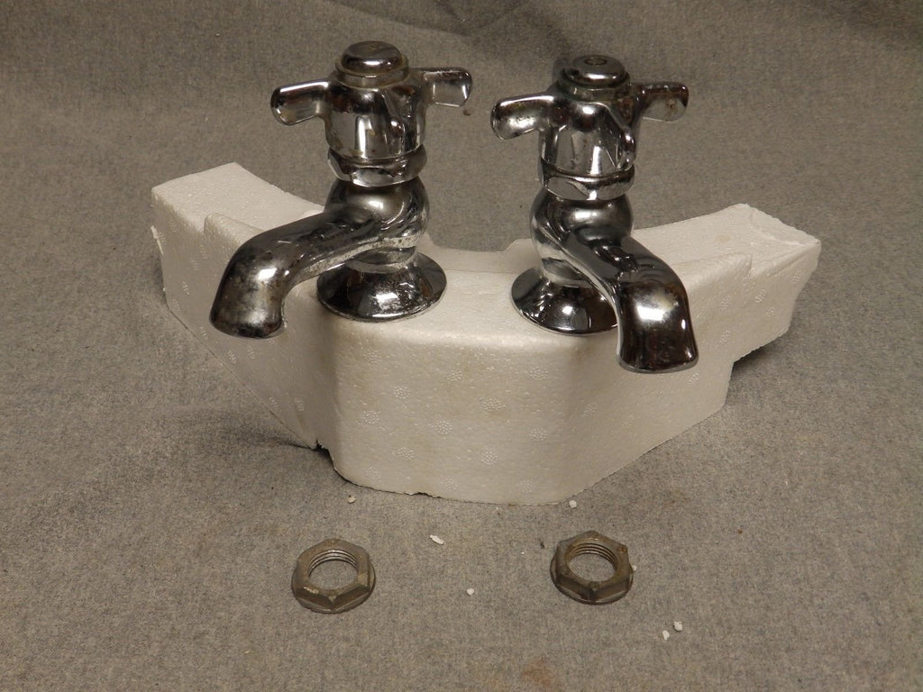 Vtg Pr Chrome Hot Cold Faucets Spring Loaded Handles Standard Plumbing 471-16