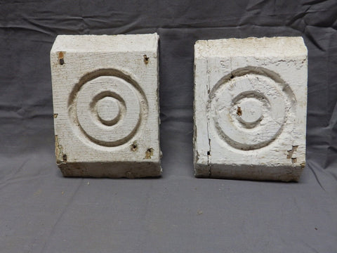 Pair of Architectural Salvaged Rosette Bullseye Corner Blocks Old Vtg 498-18P