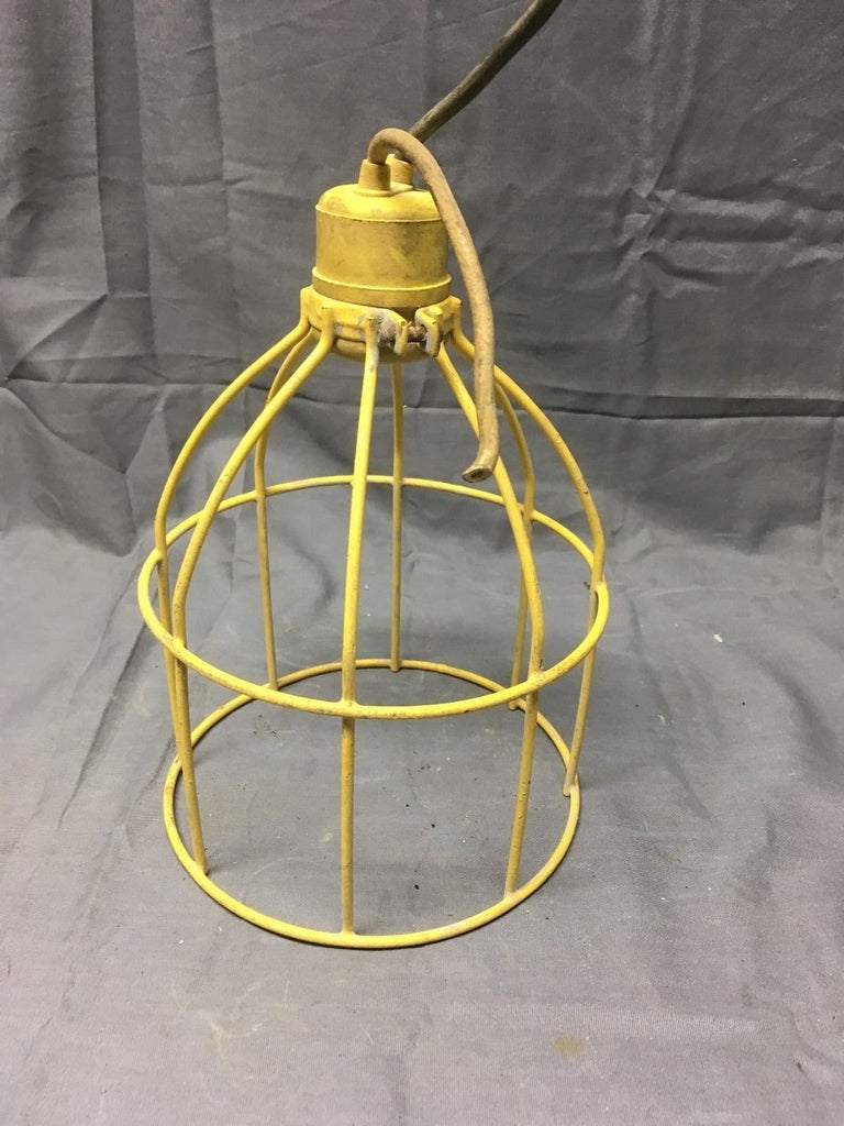 1 Vintage Industrial Yellow Coated Wire Cage Work Light Fixture Old Vtg 212-17E
