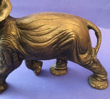 Laden Sie das Bild in den Galerie-Viewer, Bronze Elefant  14248