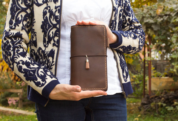 Leather Journal Travelers Notebook Brown Natural Leather Penloop Front and Back Pockets Zipper Pouch Included Three Inserts 192 Pages