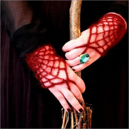 'Morticia' Gloves