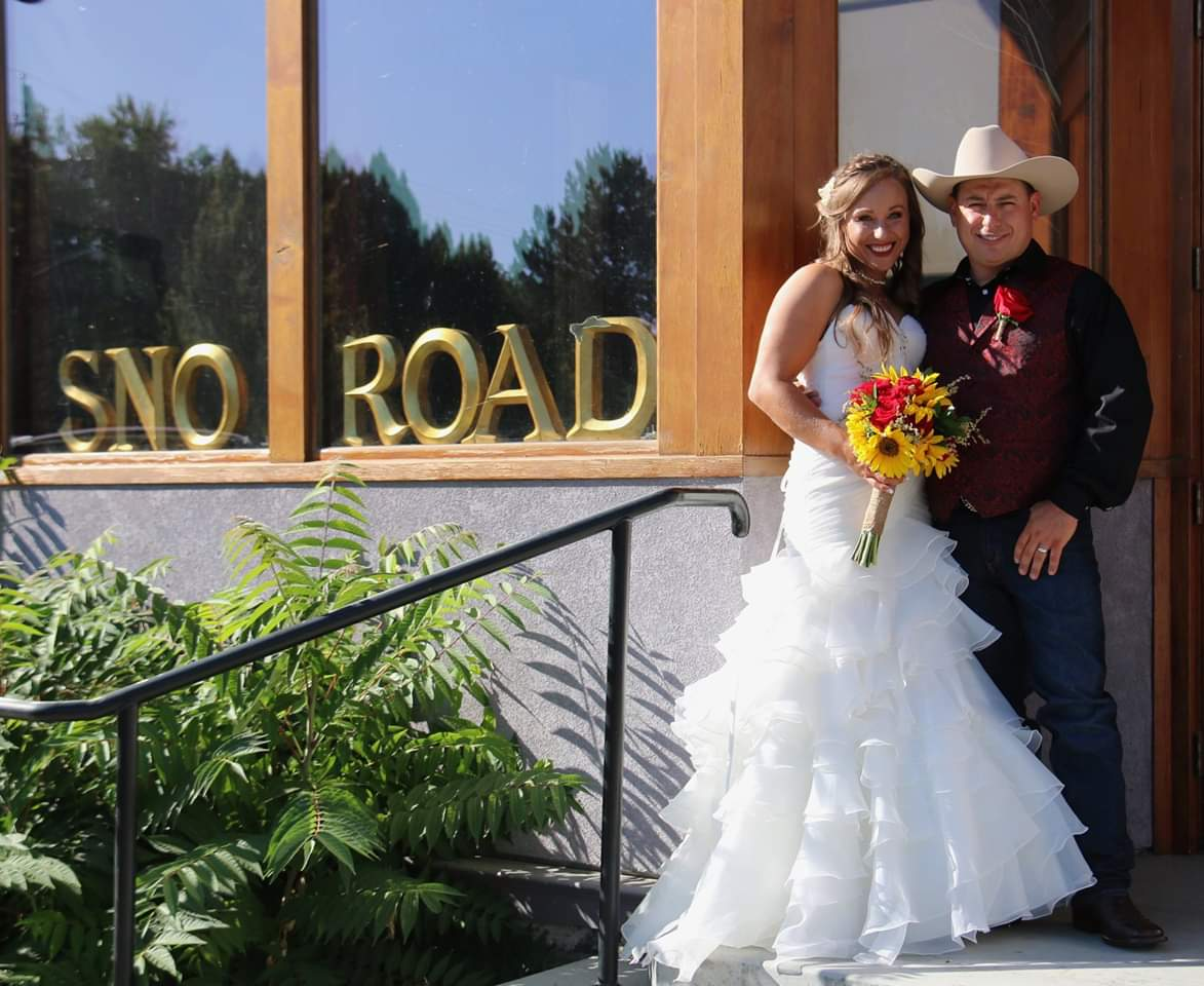 wedding at sno road winery