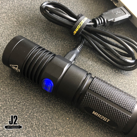 Nitecore MH12GT Micro-USB recharger with indicator light on battery capacity