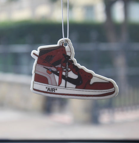 Off-White x Jordan 1 Chicago - 'Sassy Strawberry'