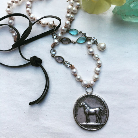 HORSE MEDAL NECKLACE