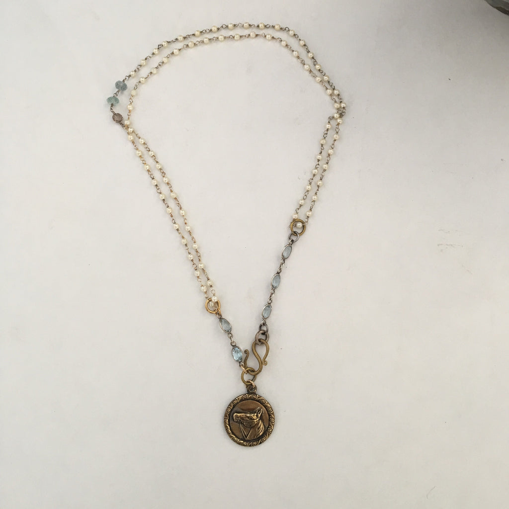 VINTAGE HORSE MEDAL NECKLACE