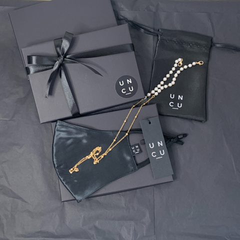 black mulberry silk and gold mask chain gift set