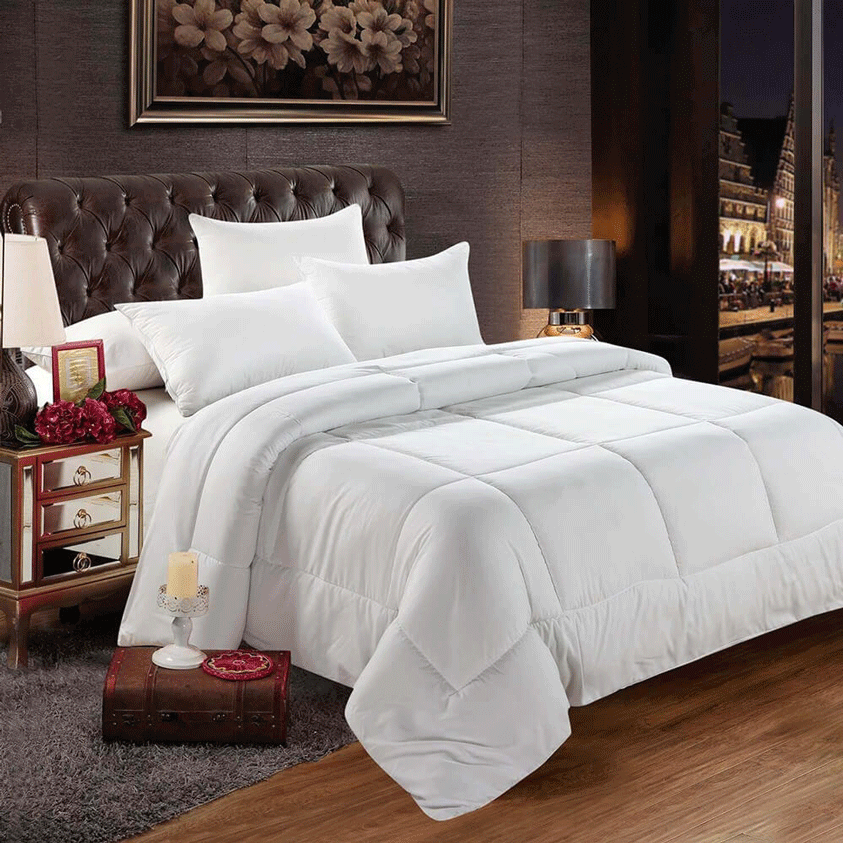 A Royal Egyptian Bedding comforter and bed sheet set