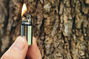 """Peanut""-Type Liquid Fuel Pocket Lighter"