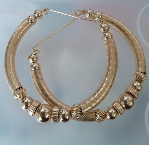 ALL GOLD MID CHUNK HOOPS