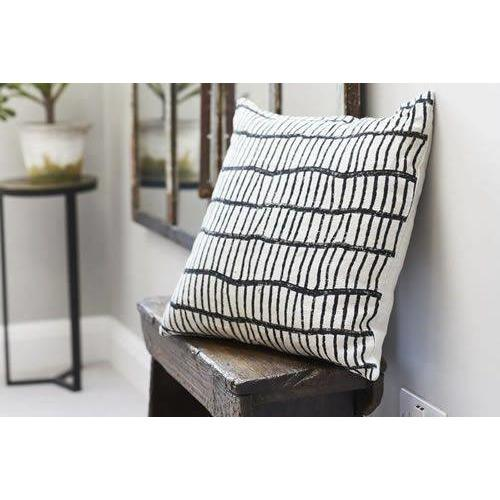 AJANTA grid design linen cushion cover - Bezar