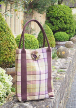 Load image into Gallery viewer, Kate Tote handbag - Gargrave Lilac